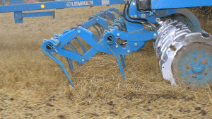 csm_LEMKEN_Strohstriegel_straw_harrow_f837bb4430